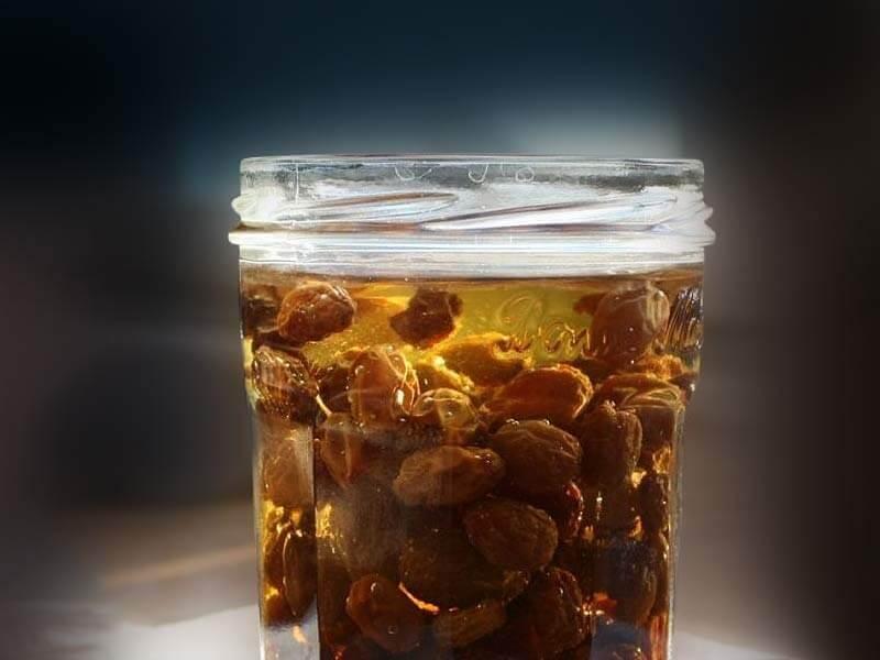 How to prepare raisins?